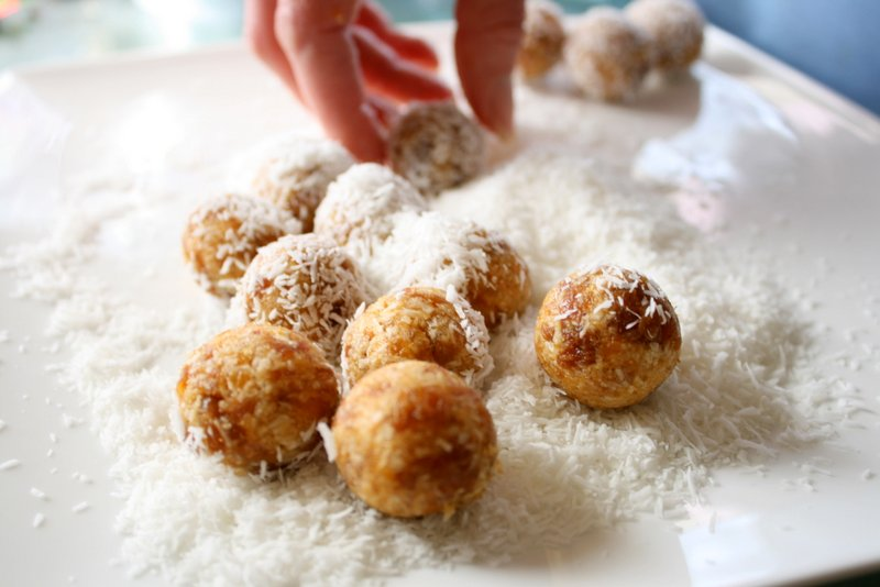 probiotic whey apricot balls
